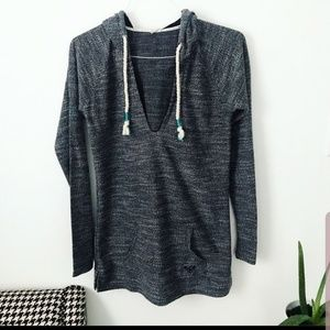 Roxy L grey pull over with hood and v neck